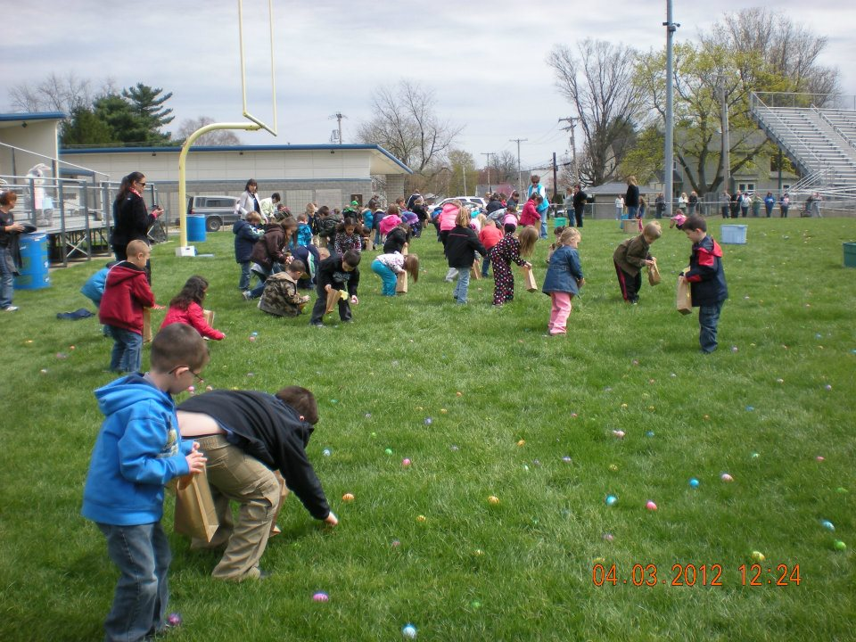 Children at the Hubbard Easter Egg Hunt